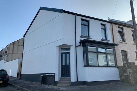 3 bedroom end of terrace house for sale - Fern Street, Cwmbwrla, Swansea, SA5