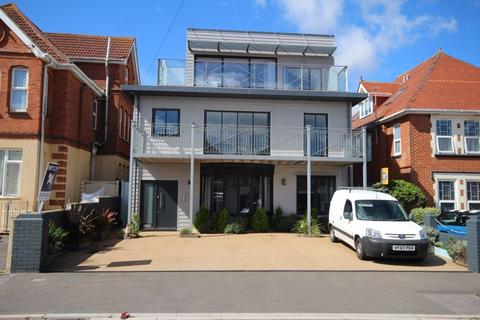 3 bedroom apartment for sale - 42 Pinecliffe Avenue, Southbourne