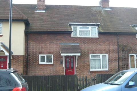 2 bedroom house to rent - Central Feltham, Feltham