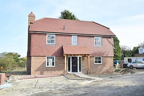 3 bedroom detached house for sale - Station Road, Northiam