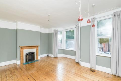 2 bedroom maisonette to rent - Connaught Road, Hove