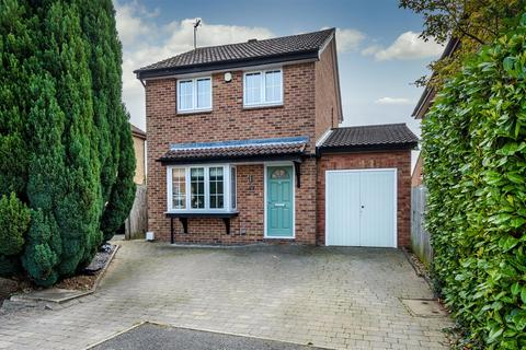 3 bedroom detached house for sale - Buttercup Close, Narborough.