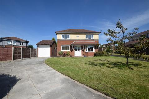 3 bedroom detached house for sale - Priory Close, Dukinfield