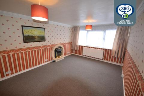 2 bedroom apartment - Whitley Court, Whitley Village, Coventry