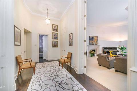 4 bedroom flat - Gloucester Square, London, W2