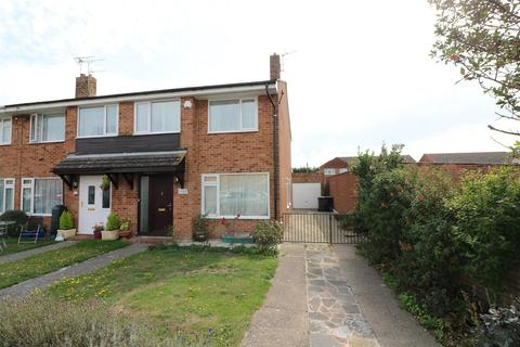 3 bedroom end of terrace house for sale - Sandown Lees, Sandwich
