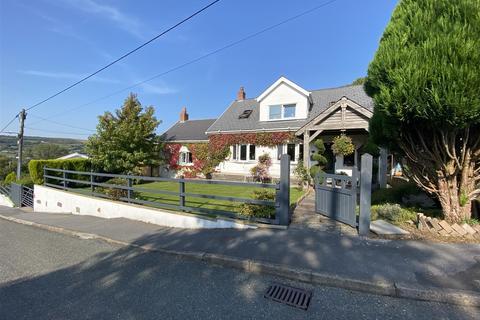 3 bedroom detached house for sale - Grenig Road, Glanamman, Ammanford