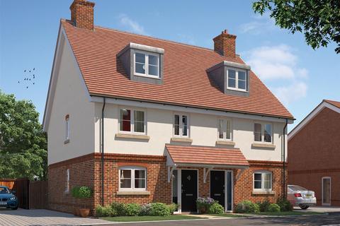 3 bedroom semi-detached house for sale - Broadoak Park, Tongham