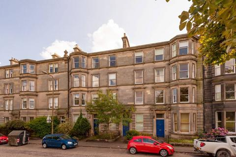 3 bedroom flat for sale - 11/4 Gladstone Place, Edinburgh, EH6 7LY