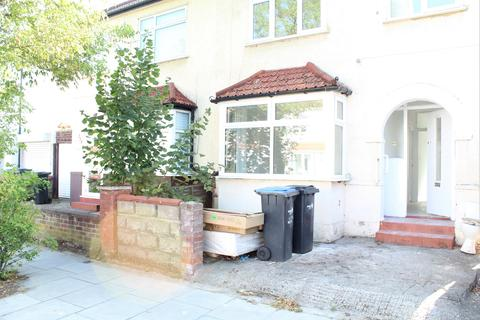3 bedroom semi-detached house to rent - Carterhatch Road, Enfield EN3