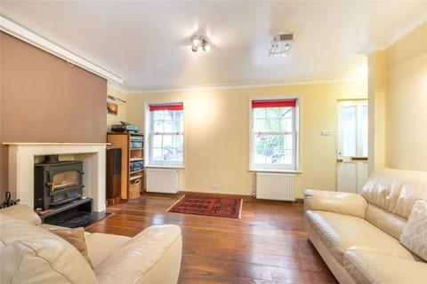 3 bedroom semi-detached house for sale - Macquarie Way, London