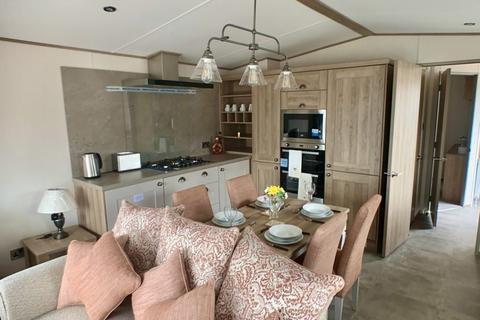 2 bedroom lodge for sale - Golden Leas Holiday Park, Kent