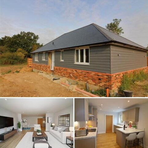 3 bedroom detached bungalow for sale - The Grove, Stoney Hills, Burnham-on-Crouch, Essex, CM0