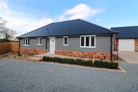 3 bedroom detached bungalow for sale - The Grove, Stoney Hills, Burnham-on-Crouch, Essex, CM0