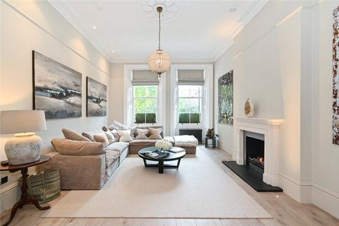 3 bedroom flat - Nevern Square, Earl's Court, London, SW5