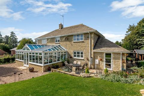4 bedroom detached house for sale - Deenethorpe, Deenethorpe, Northamptonshire, NN17