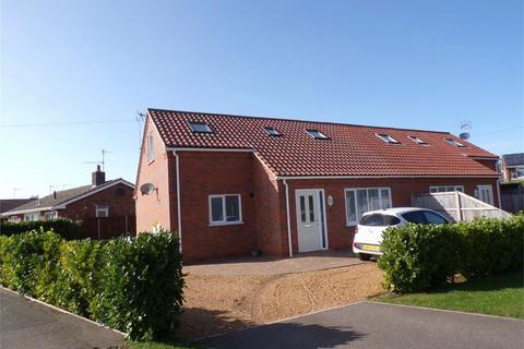 3 bedroom semi-detached house to rent - Dersingham