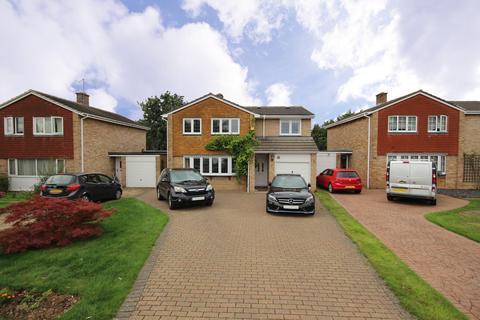 5 bedroom detached house to rent - Marks Road, Wokingham