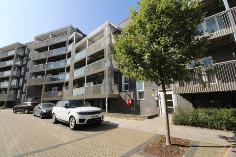 1 bedroom apartment to rent - De Pass Gardens, Essex, IG11