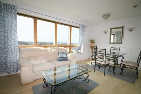 2 bedroom apartment to rent - Sherman Road, Bromley