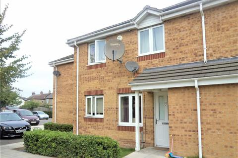 2 bedroom end of terrace house for sale - Adrians Walk, Slough