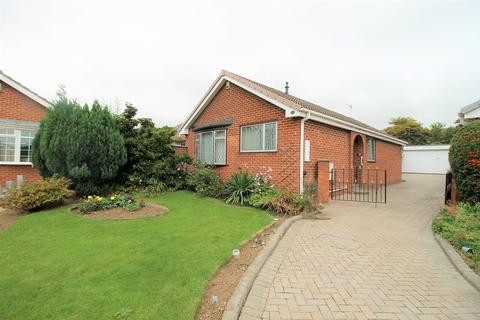 2 bedroom detached bungalow to rent - Martham Close, Stockton-On-Tees