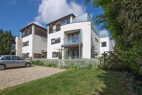 2 bedroom apartment for sale - New Leys Court, Witney