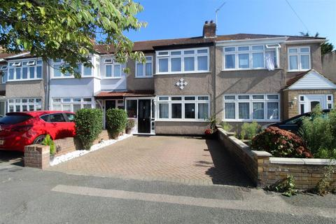 3 bedroom terraced house for sale - Laburnum Avenue, Hornchurch