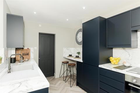 1 bedroom maisonette for sale - Manor Road, Merstham, Redhill