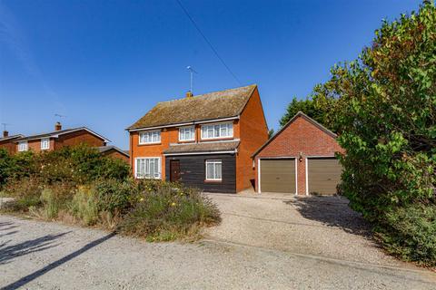 4 bedroom detached house for sale - Marlborough Avenue, Tillingham, Southminster