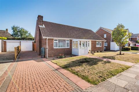 3 bedroom detached bungalow for sale - Kingsmead, Seaford