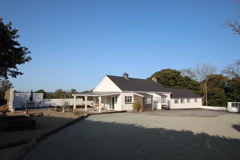 6 bedroom property with land for sale - Cilcennin, Lampeter