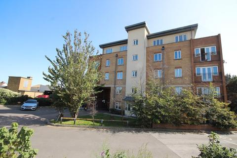 2 bedroom flat for sale - Lapwing House, Capstan Drive, RAINHAM, RM13