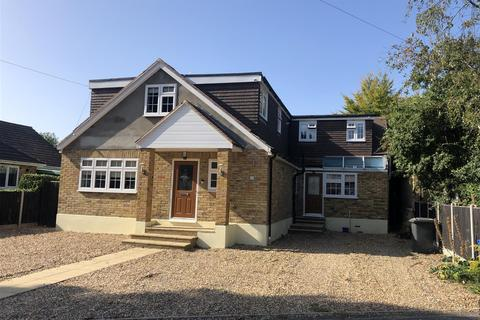 6 bedroom detached house for sale - Acacia Avenue, Wraysbury, Staines-Upon-Thames