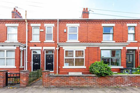 3 bedroom terraced house for sale - Alphonsus Street, Old Trafford, Manchester, M16