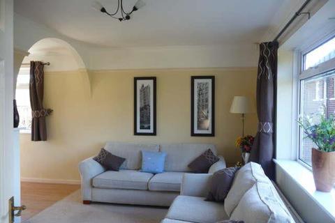 3 bedroom semi-detached house to rent - Broadgate Lane, Horsforth
