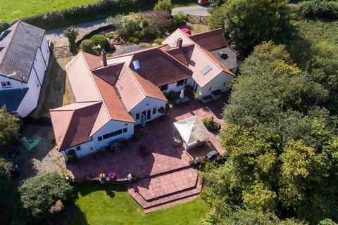 5 bedroom detached bungalow for sale - Lower Hengoed