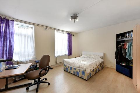 1 bedroom flat share to rent - Wyfold Road, Fulham, SW6