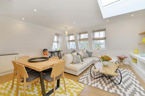 2 bedroom flat to rent - Charlotte Street, Fitzrovia, W1T