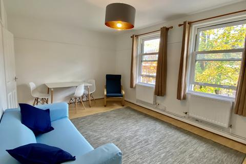 3 bedroom flat to rent - Lilford Road, London, SE5 9DZ