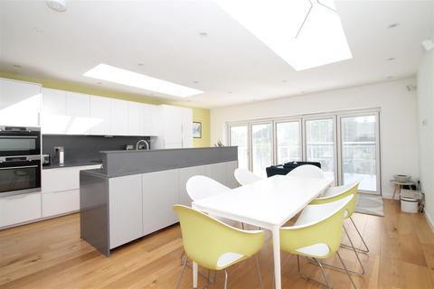 3 bedroom house for sale - River Avenue, London
