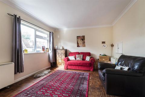 1 bedroom apartment - New Court, East Street, Tonbridge