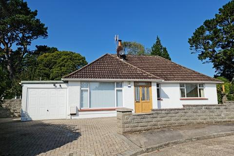 4 bedroom detached bungalow for sale - Glynderwen Close, Sketty, Swansea, City And County of Swansea.