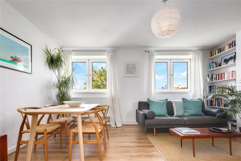 2 bedroom flat for sale - George Belt House, Smart Street, London, E2