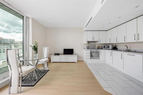 2 bedroom flat to rent - Queenstown Road, SW11