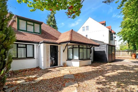 4 bedroom bungalow for sale - Upper Highway, Kings Langley, Hertfordshire, WD4
