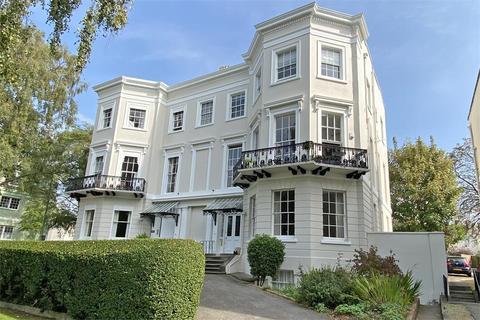 2 bedroom flat for sale - 23 Pittville Lawn, Cheltenham