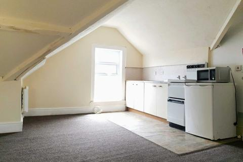 Studio to rent - Central Drive / Bloomfield Road, Blackpool