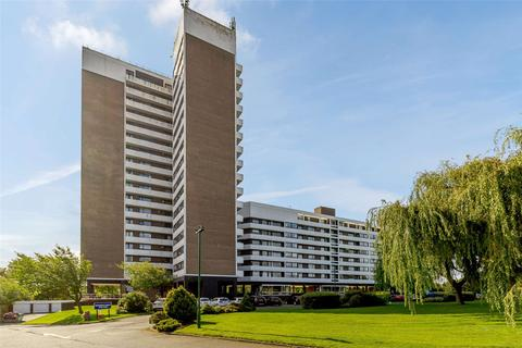 2 bedroom apartment for sale - Montagu Court, Gosforth, Newcastle Upon Tyne, Tyne And Wear