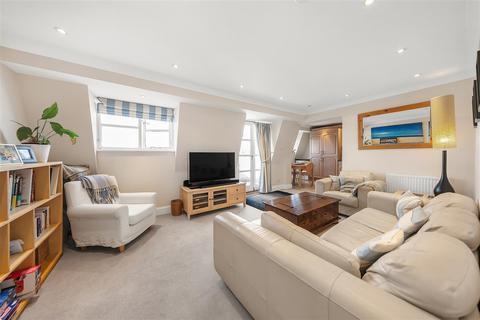 1 bedroom flat for sale - Battersea Park Road, SW11